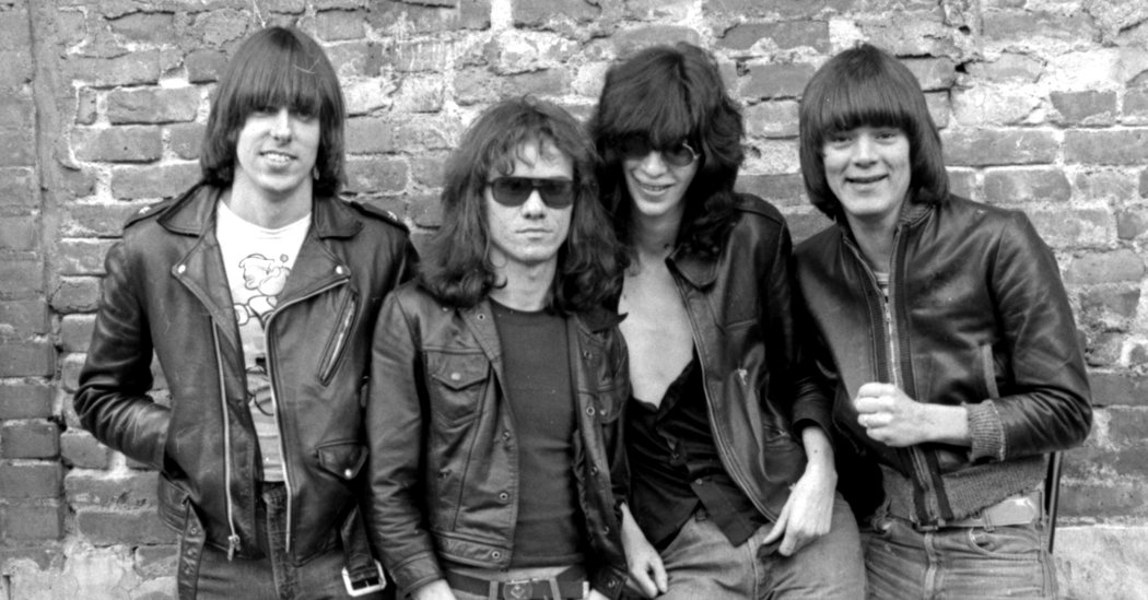 07ramones-smiles-copy-facebookJumbo-v5